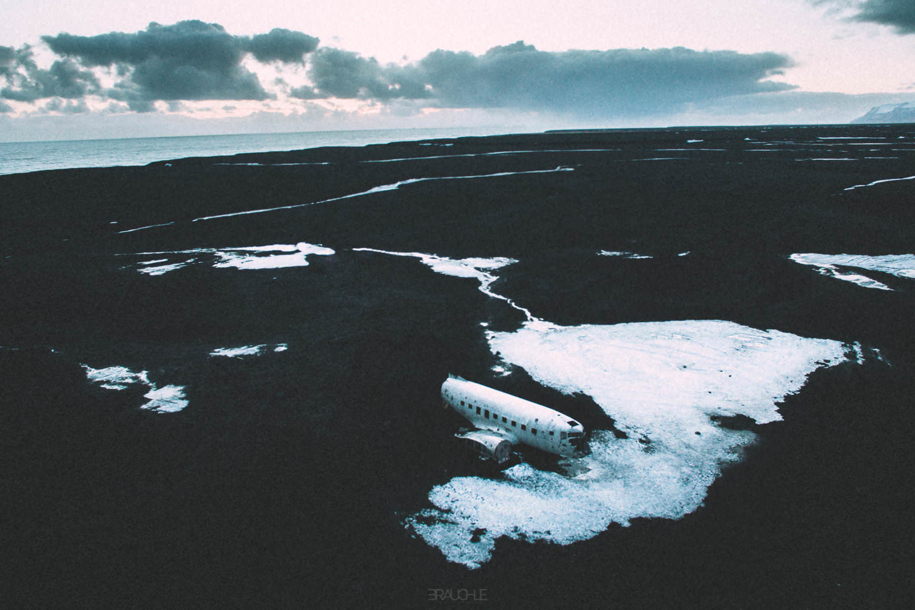 iceland-airplane-wreck-dc3-drone-0003
