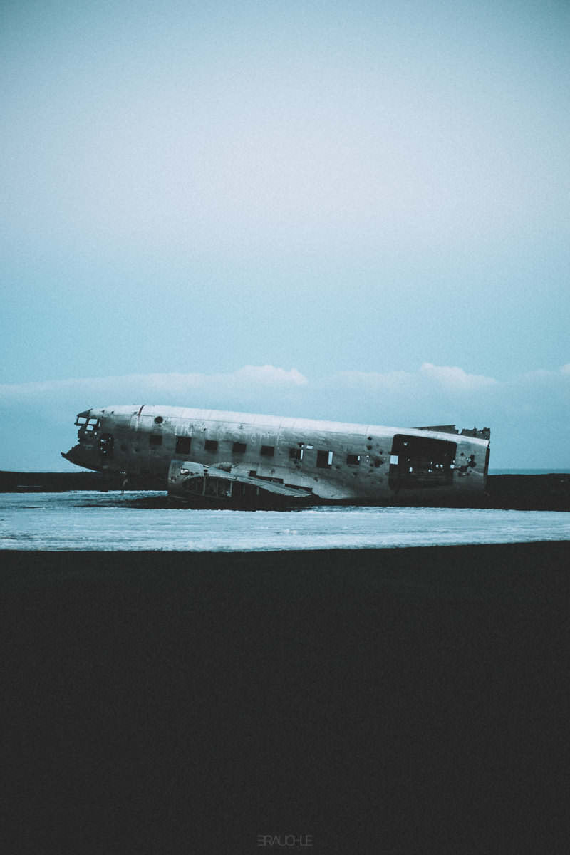 iceland-airplane-wreck-dc3-drone-0013