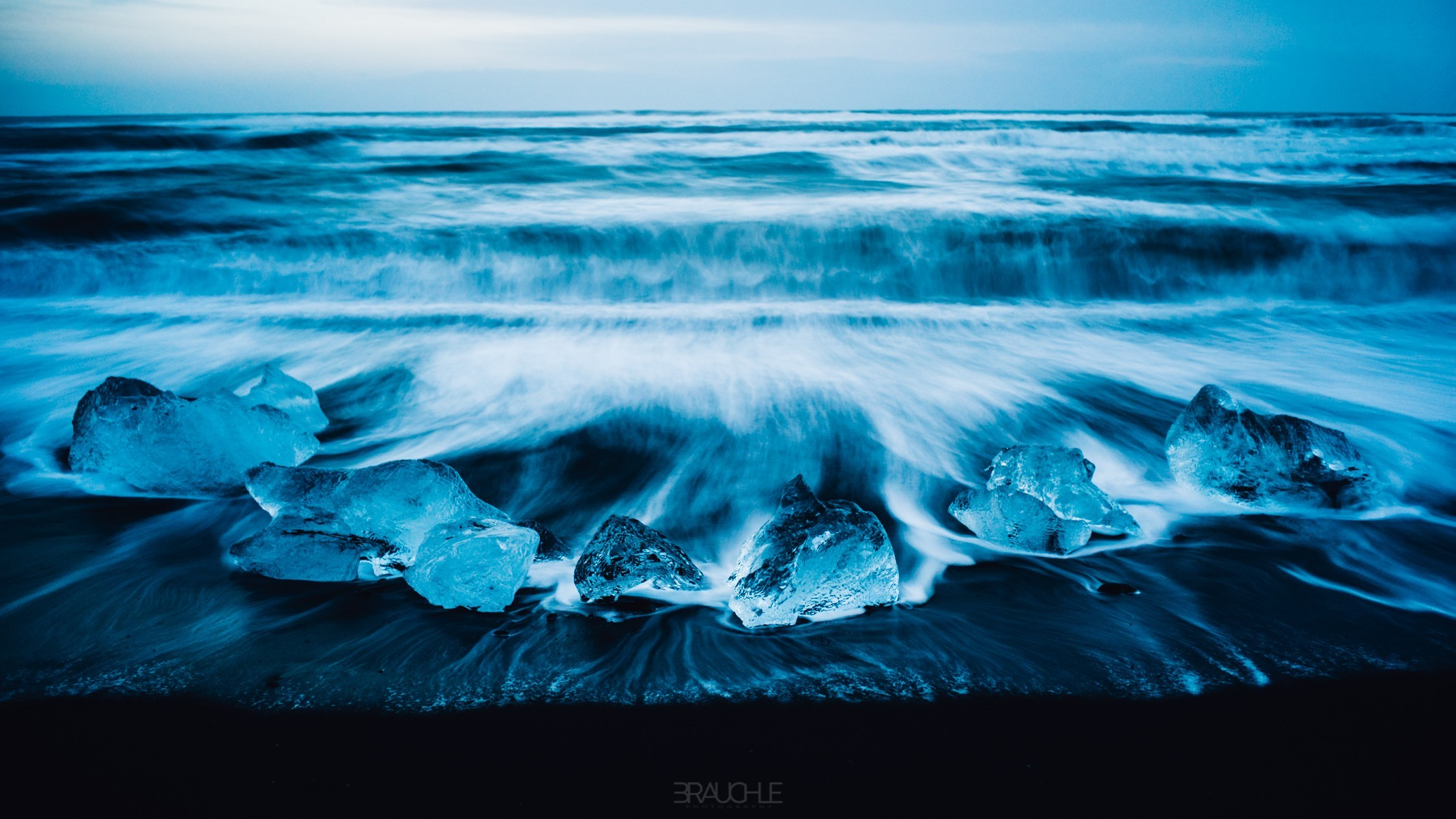 iceland-joekurlarlon-black-beach-ice-blocks-1