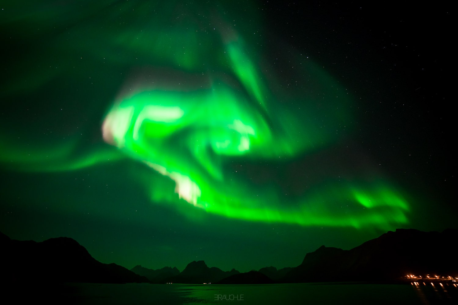 northern-lights-norway-tromso-lofoten-10